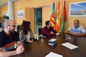 AVATEL dona un gran archivo audiovisual al Ayuntamiento de Pilar de la Horadada