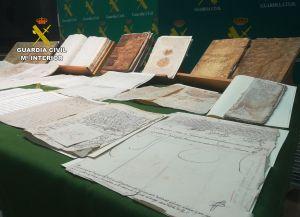 La Guardia Civil recupera documentos históricos de Pilar de la Horadada puestos a la venta en Internet