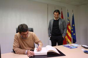 La Diputación invierte 1,2 millones de euros en Torrevieja para renovar el alumbrado público