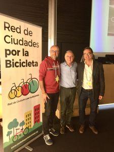"""La """"Red de Ciudades por la Bicicleta"""" edita un libro en el que destaca a Pilar de la Horadada como municipio impulsor del uso de la bici"""