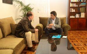 Carlos Mazón propone a Emilio Bascuñana coordinar a los alcaldes de la Mesa Provincial del Agua