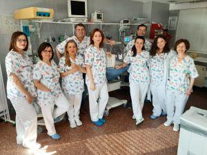 El servicio de Pediatría del Hospital Vega Baja estrena nuevos uniformes para humanizar los cuidados