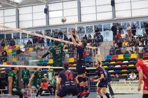 El Voleibol Almoradí tutea por momentos al líder Almería