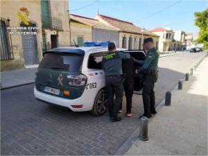 La Guardia Civil desactiva un punto de venta de droga al menudeo en Bigastro