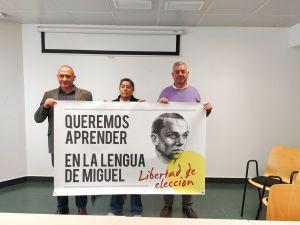 """Docentes y padres de la Vega Baja llaman a la sociedad civil a sumarse """"para derogar la Ley de Plurilingüísmo"""""""